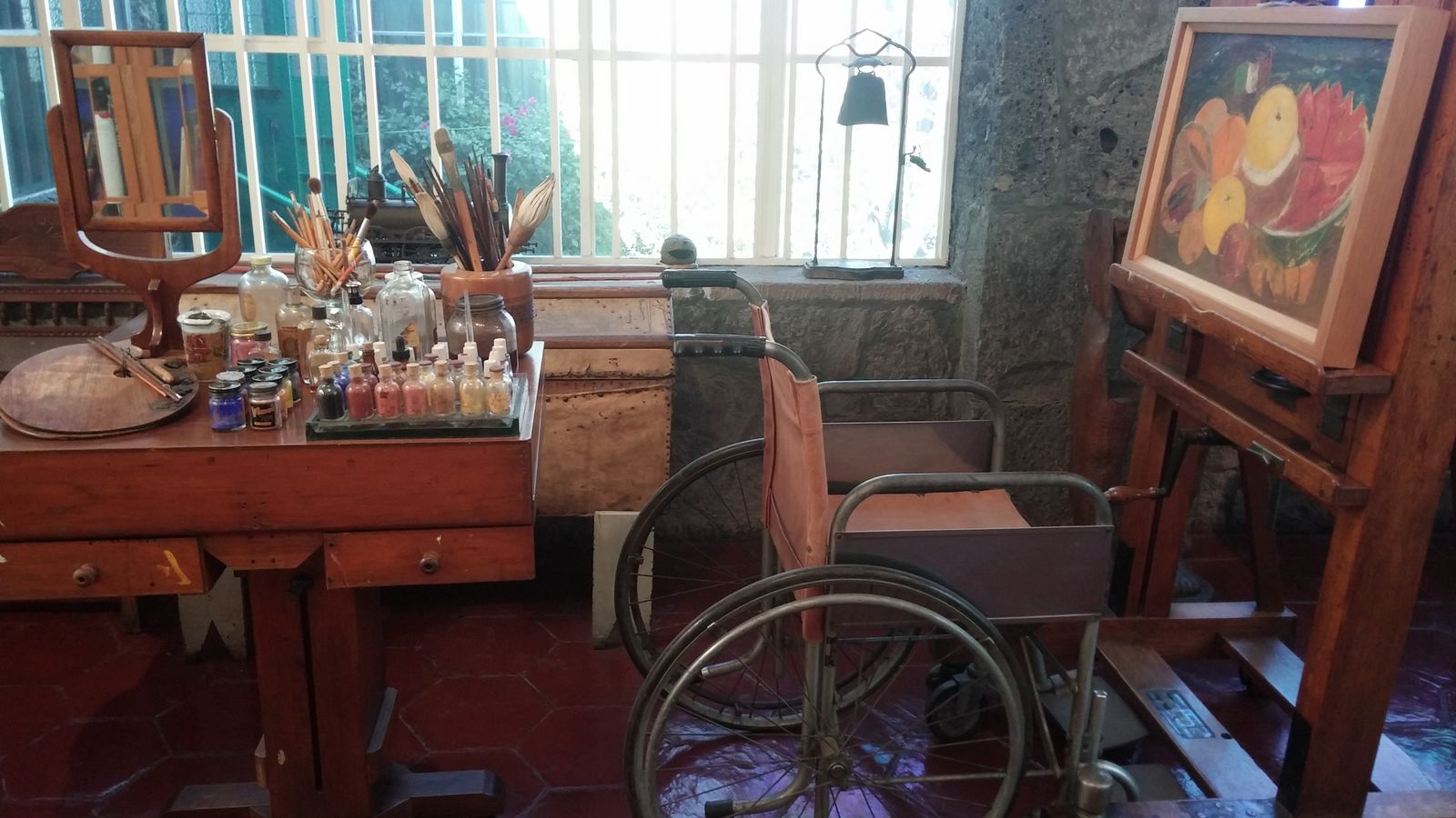 까사 아술 프리다 칼로의 작업실.