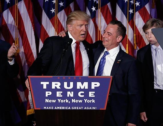 도널드 트럼프 행정부의 첫 백악관 비서실장은 44세 온건 성향의 라인스 프리버스가 맡게 됐다. 트럼프 대통령 당선인(왼쪽)과 프리버스. [로이터=뉴스1]