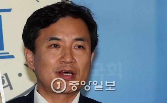김진태 새누리당 의원.[중앙포토]
