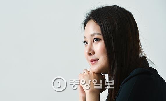 """노희지씨는 """"요즘 가장 즐겨보는 쿡방인 JTBC의 '냉장고를 부탁해'에 출연하고 싶다""""고 말했다. [사진 김경록 기자]"""