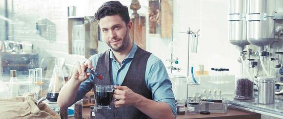 '콜드브루 by 바빈스키 레드'는 콜드브루 추출 원액을 담은 액상 스틱형 커피다. 출시 3주 만에 38만 세트가 판매되며 뜨겁게 마셔도 신선한 콜드브루 커피라는 새로운 시장을 열고 있다. [사진 한국야쿠르트]