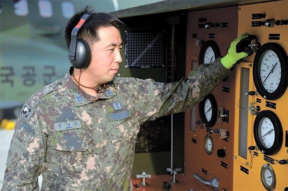 공군15특수임무비행단 '박격포' 중사
