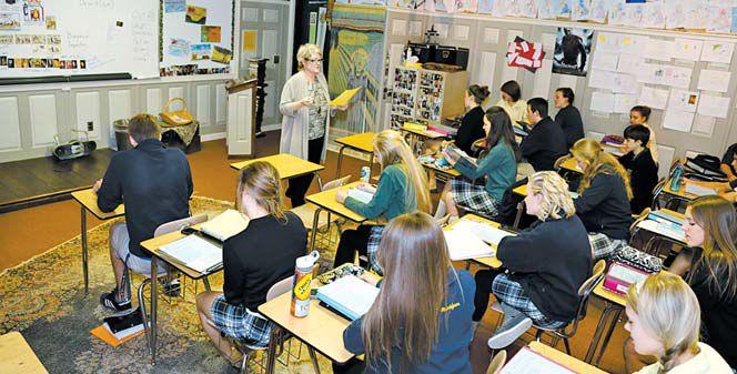 미국 미시간주 오클랜드 크리스천 학교에서 11학년 학생들이 역사 수업을 받고 있다. [사진 한진유학]