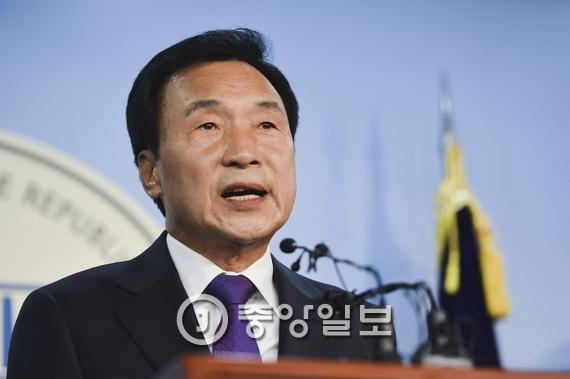 손학규 민주당 전 선임고문. [중앙포토]