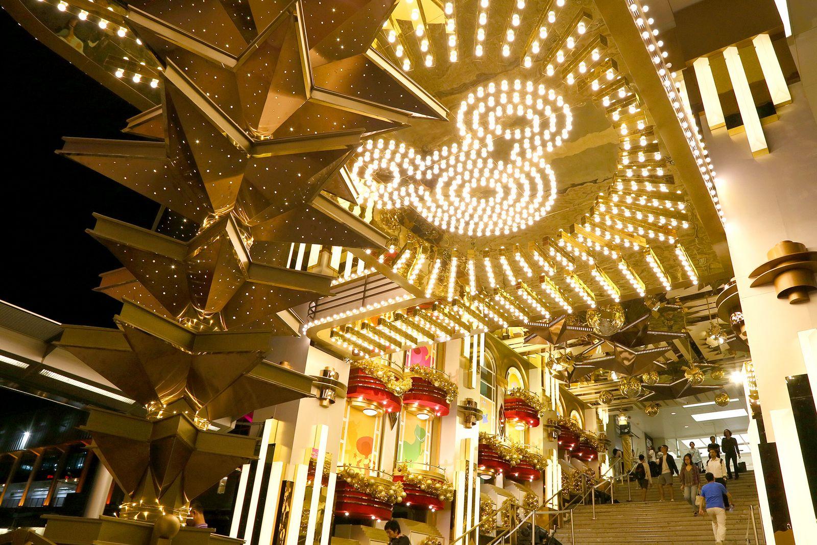 크리스마스 콘셉트로 단장한 쇼핑몰 하버시티.