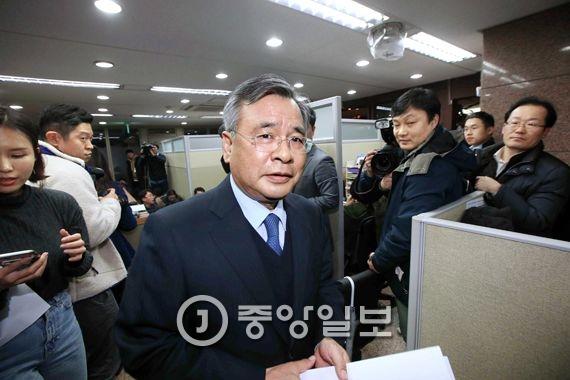 박영수(64·사법연수원 10기) 특별검사. 오종택 기자