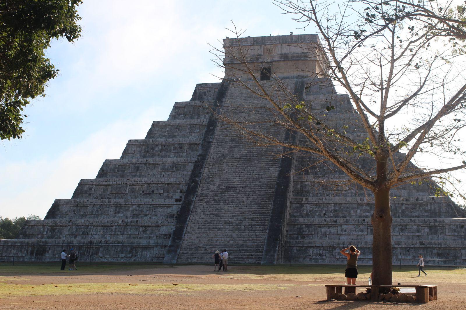 치첸이사 쿠쿨칸 피라미드.