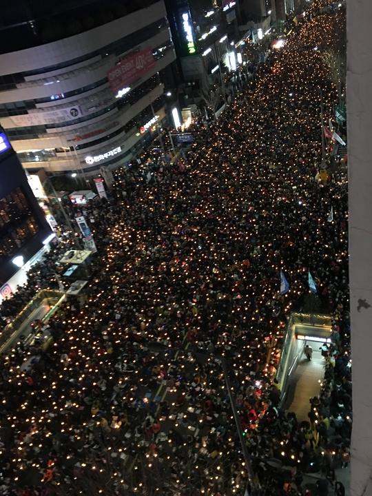 3일 광주광역시 금남로를 가득 메운 촛불 시민들. 프리랜서 오종찬