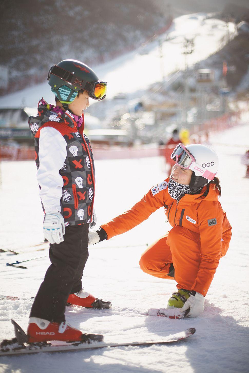 곤지암리조트는 올림픽을 앞두고 어린이를 위한 스키 강습 프로그램을 강화했다.