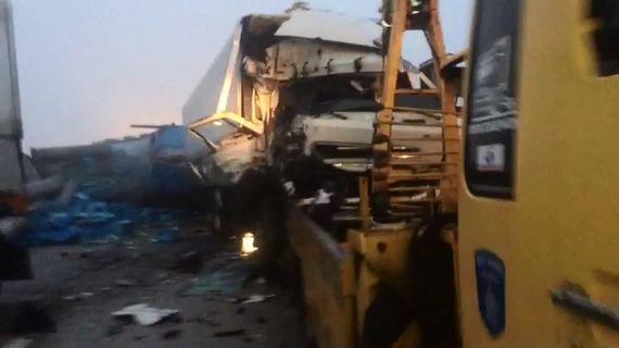 3.2t 트럭과 차량 12대 연쇄 추돌한 중부내륙고속도로 사고 모습. [사진 충북경찰청]