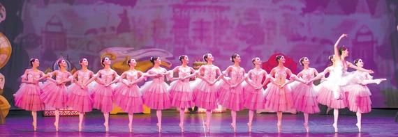 오는 25일 인천국제공항에서 와이즈 발레단이 `호두까기 인형` 공연을 한다.
