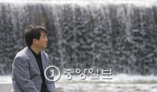 시인 안도현. 신인섭 기자