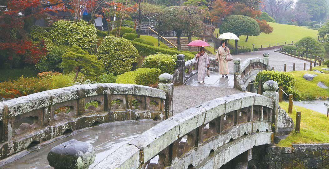 일본 구마모토현에 있는 스이젠지 정원. 아기자기하게 꾸며진 일본식 공원을 볼 수 있다. 후지산과 비와호를 축소판으로 꾸민 정원이 있다. [사진 여행박사]