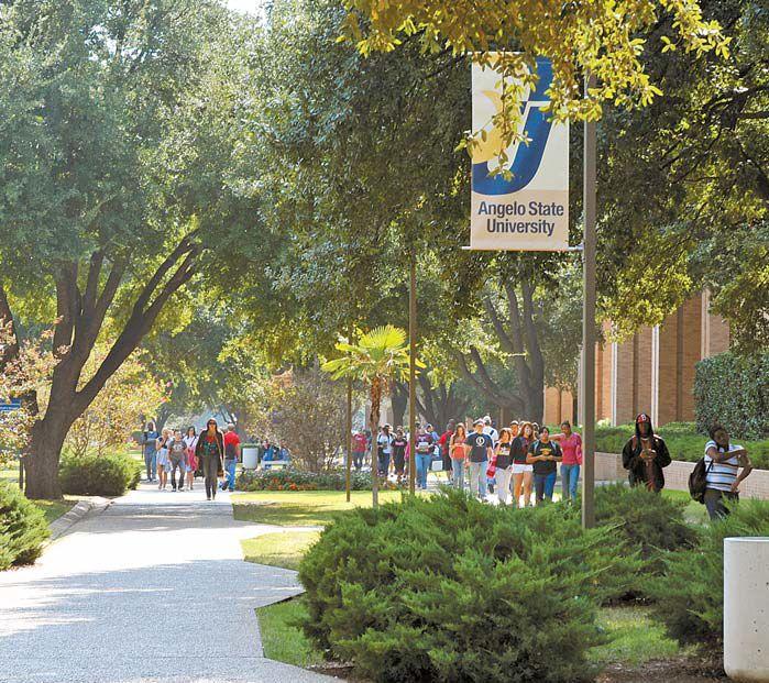 텍사스주 앤젤로주립대는 유학생에게도 저렴한 학비와 장학금, 전원 기숙사 생활, 다양한 인턴십 기회를 제공한다.