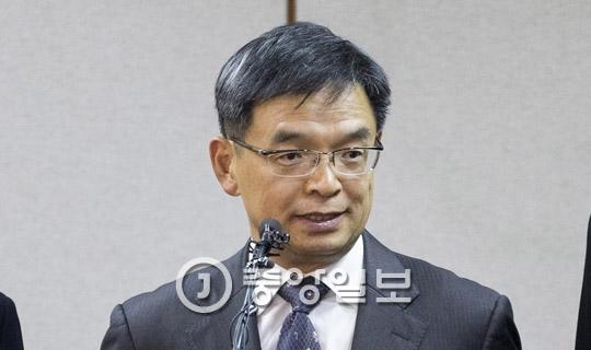 박근혜 대통령의 탄핵심판사건 법률대리인을 맡은 이중환 변호사.