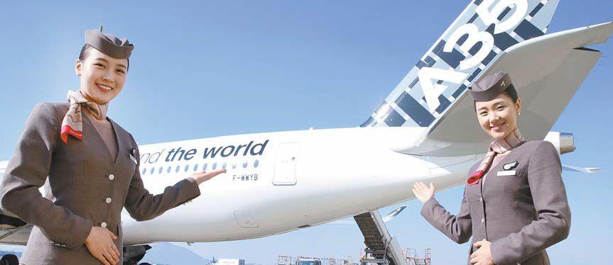 아시아나항공은 기재 경쟁력 강화를 위한 투자를 지속하고 있다. 이에 내년부터 2025년까지 차세대 친환경 중대형기인 A350 30대를 도입하며 2019년부터 2025년까지는 소형기 A321NEO 25대를 도입할 예정이다. [사진 아시아나항공]