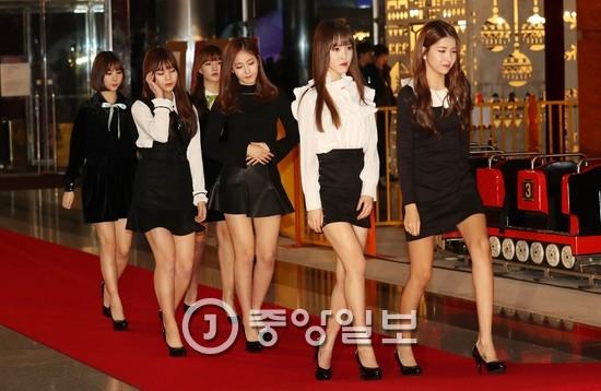 26일 2016 SAF SBS가요대전에 참석한 걸그룹 여자친구.