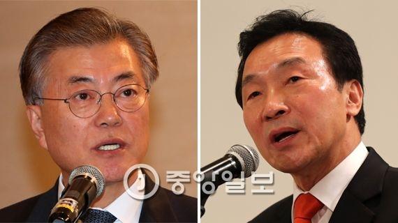 문재인 더불어민주당 전대표(왼쪽)와 손학규 전 민주당 대표.
