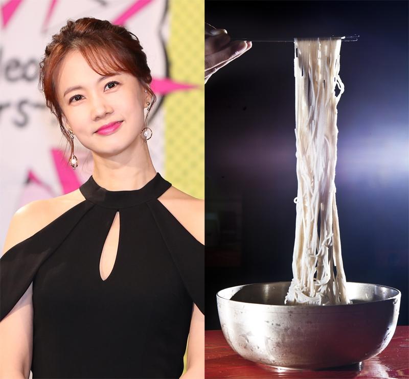 방송인 박소현(왼쪽)과 냉면. [중앙포토]