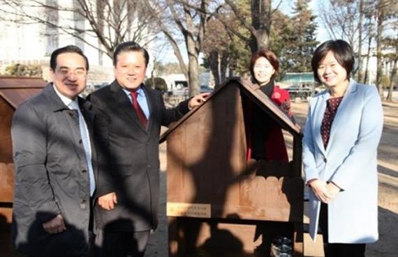박홍근 의원, 김재영 한국고양이수의사회 회장, 한정애 의원, 이정미 의원(왼쪽부터) [사진 팅커벨프로젝트]