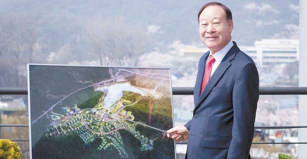 """의왕백운밸리 조성 사업을 이끌고 있는 이성훈 의왕도시공사 사장은 """"자연에 뿌리를 두고 도시와 호흡하는 자족도시 모델을 제시하겠다""""고 밝혔다."""