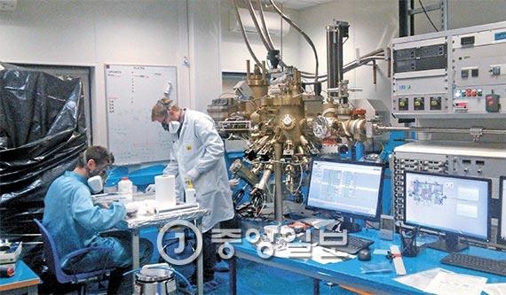 폴란드 강소기업 비고시스템은 직원이 80여명뿐이지만 정보통신기술을 활용한 적외선 탐지 설비 분야에서 세계적 기술력을 인정받는다. [바르샤바=이창균 기자]