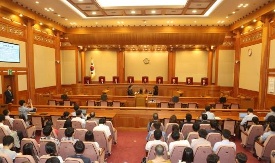헌법재판소에선 12일 박근혜 대통령 탄핵 심판 4차 변론기일이 열린다. [중앙포토]