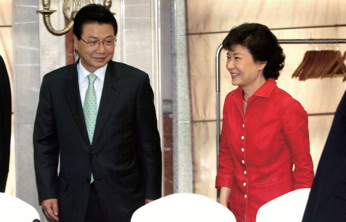 2011년 6월 한나라당 2018평창올림픽 유치특위에서 만난 박근혜 당시 의원과 김진선 특위 위원장.