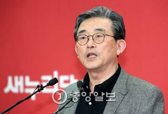 이한구 새누리당 공천관리위원장. 박종근 기자