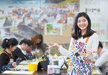 미술 전문 교육기관인 홍선생미술에서 실시하는 단체교육 모습.