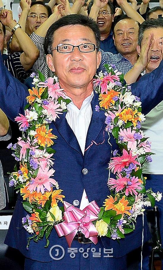 바른정당 입당을 예고한 홍철호 의원의 2014년 모습 [중앙포토]