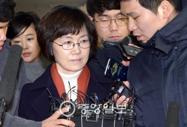 정유라 입학과 학사관리 특혜의혹에 개입한 혐의를 받고 있는 최경희 전 이화여대 총장. [중앙포토]