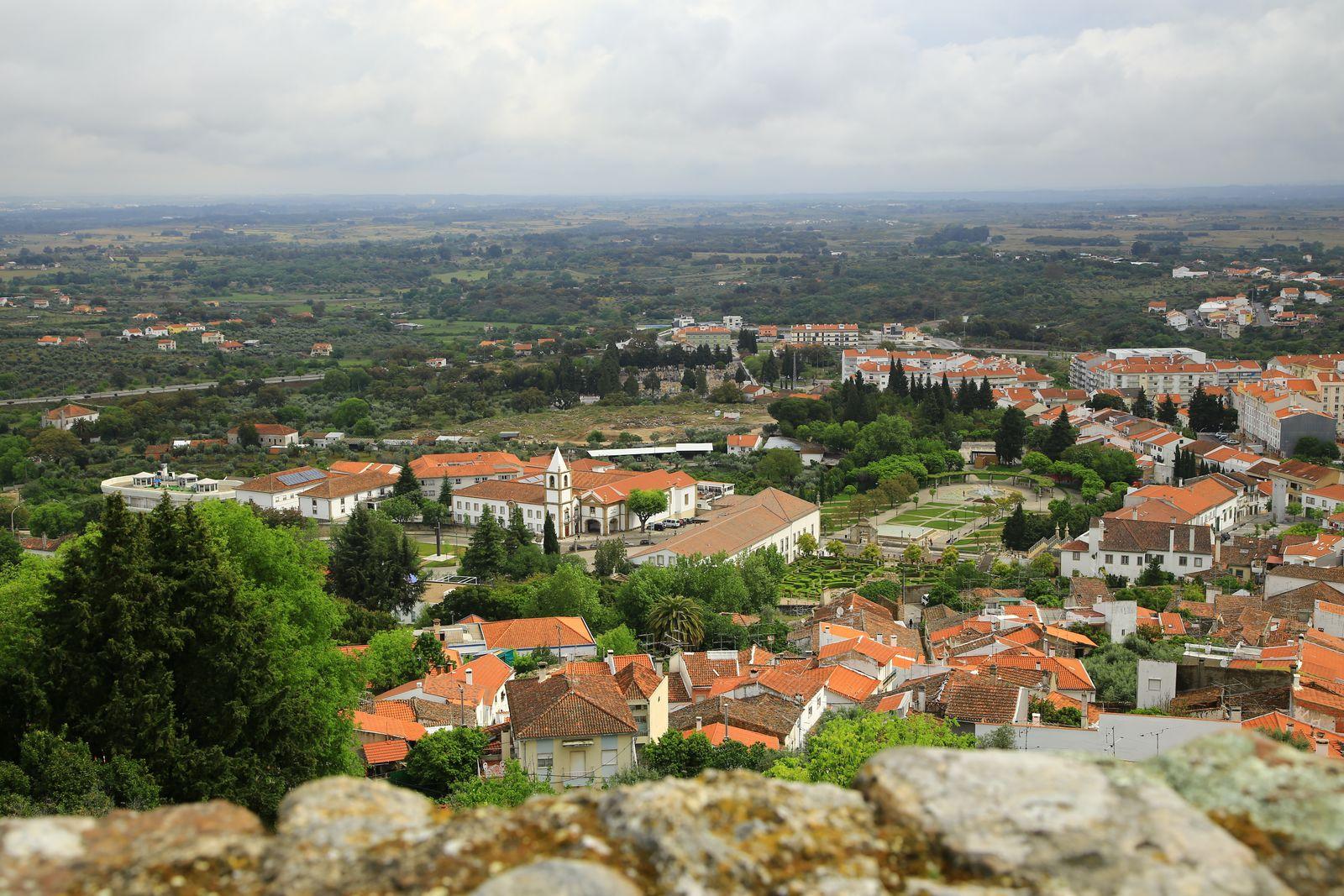 언덕 위 성곽에서 내려다본 카스텔루 브랑쿠 전경.
