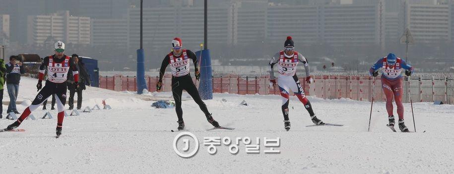 지난 20일 서울컵 크로스컨트리 스프린트대회에서 열린 100m 이벤트 경기. 김상선 기자