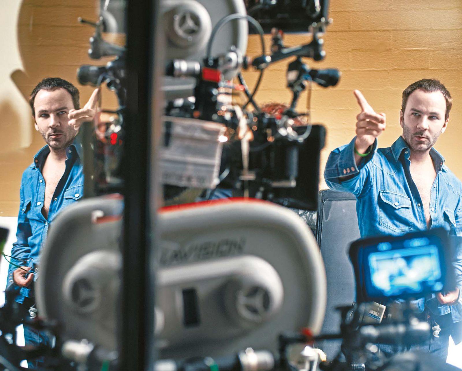 최근 개봉작 '녹터널 애니멀스' 촬영 현장에서의 톰 포드 감독.