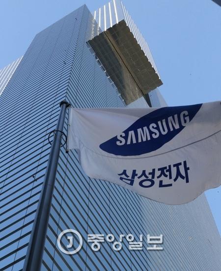 """""""삼성 '갤럭시S8·무선 헤드폰' 3월 29일 출시"""""""
