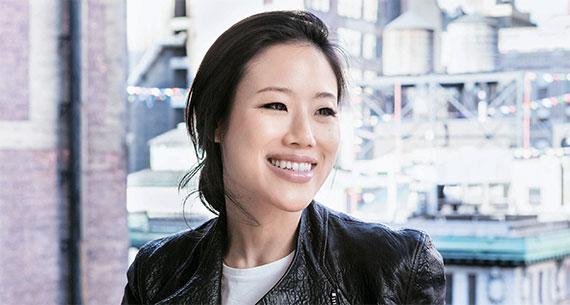 """'피치 앤 릴리' 알리샤 윤 대표는 """"중국에선 한류 덕에 한국 화장품이 인기지만 미국에선 품질이 좋아 인기""""라고 말한다. [사진 피치 앤 릴리]"""