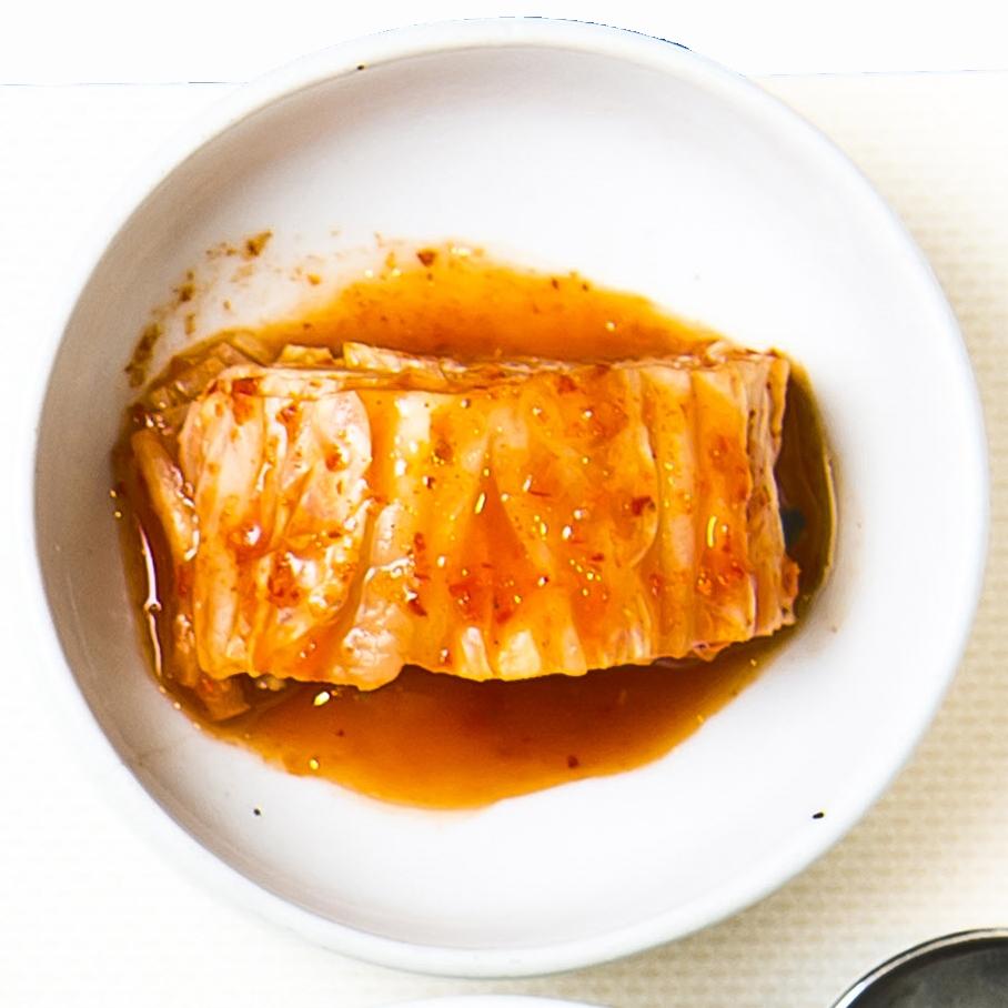 전문가들은 외식업체나 급식업소에서 여전히 중국산 김치를 많이 수입해 쓴다고 분석했다. [중앙포토]