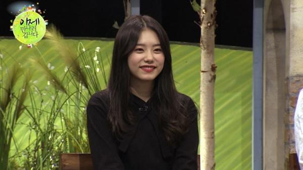걸그룹 아이오아이의 김소혜는 탈북 미녀들에게 히트곡 '너무너무너무'의 안무 비법을 전수했다. [사진 채널A 캡처]