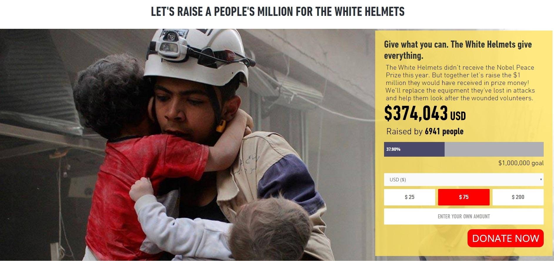 시리아 내전서 맹활약하는 시민방위대, '하얀 헬멧(White Helmets)'. 폭격 현장에서 아기 두 명을 구조한 하얀 헬멧.