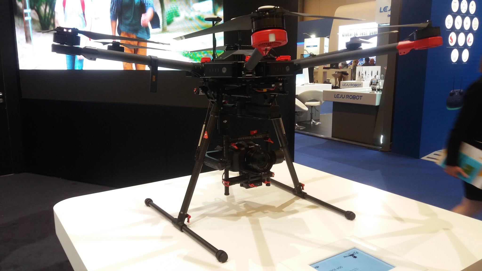 중국 DJI가 개발한 대형 산업용 드론 매트리스600. 김도년 기자