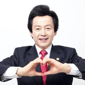 """허경영 전 민주공화당 총재가 1일 """"박근혜 대통령 탄핵심판이 끝나면 무소속으로 대선 출마를 선언할 것""""이라고 밝혔다. [사진 허경영 전 총재 페이스북 캡처]"""