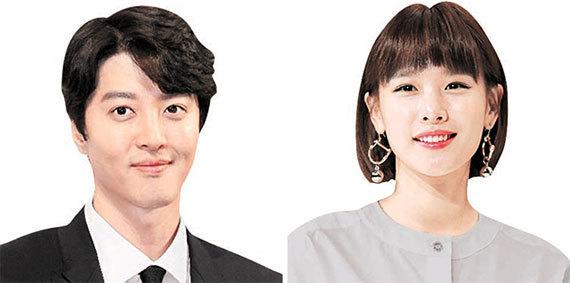 이동건(左), 조윤희(右)