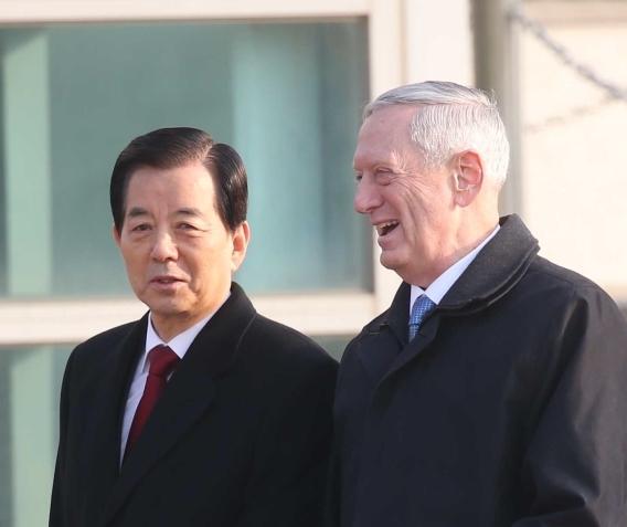 한민구(왼쪽) 국방부 장관과 제임스 매티스 미국 국방장관. 오종택 기자