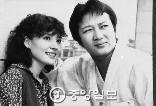 TV극 '검은해협'에서 민욱(오른쪽)과 서승희[사진 중앙포토]