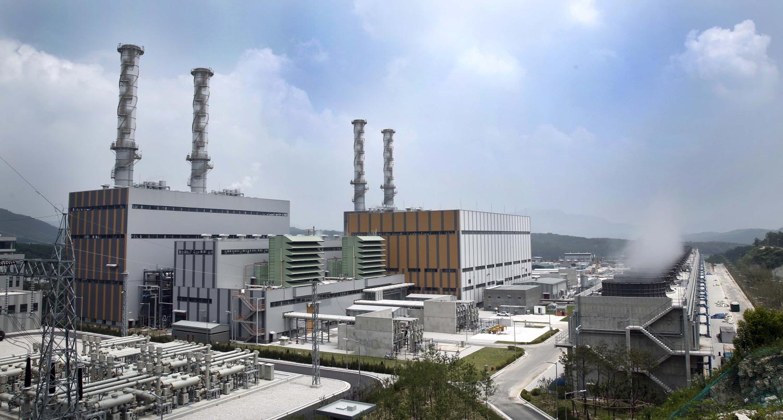 가격 경쟁력 하락 등으로 인해 친환경을 내세운 LNG발전소의 가동률이 줄어들고 있다. 사진은 경기도 포천에 있는 대림그룹의 LNG복합발전소의 모습[중앙포토]