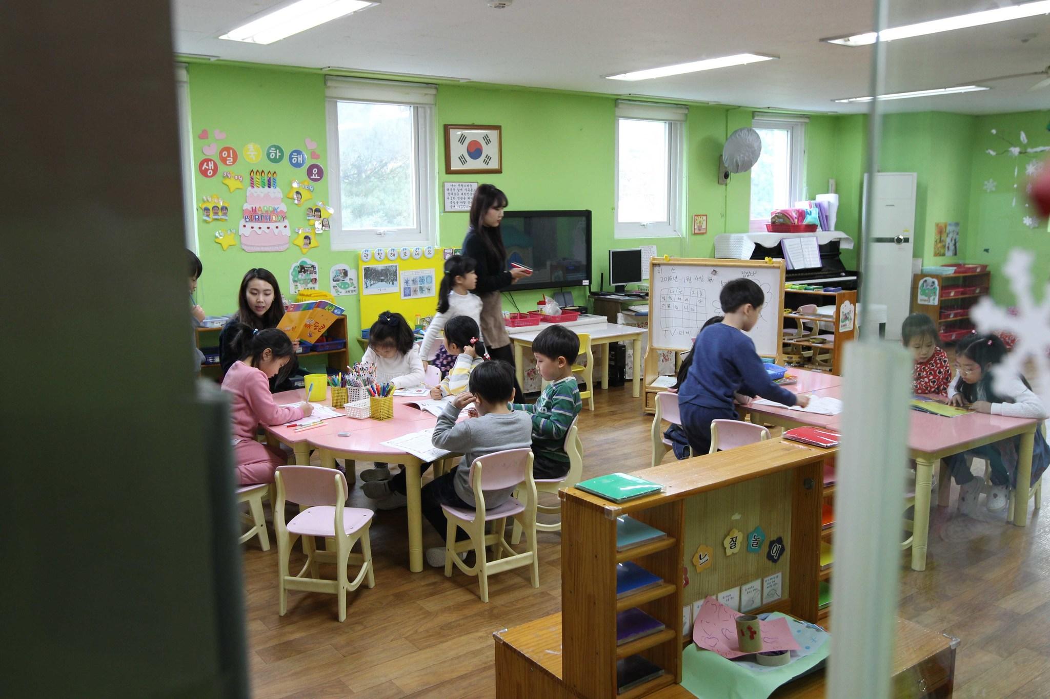 경기도의 한 어린이집. 어린이 이용시설의 상당수가 지난해 점검에서 환경안전관리기준을 초과한 것으로 드러났다.(사진은 기사내용과 관련이 없습니다) [중앙포토]