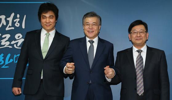 호사카 유지 세종대 교수(오른쪽). [사진 중앙포토]