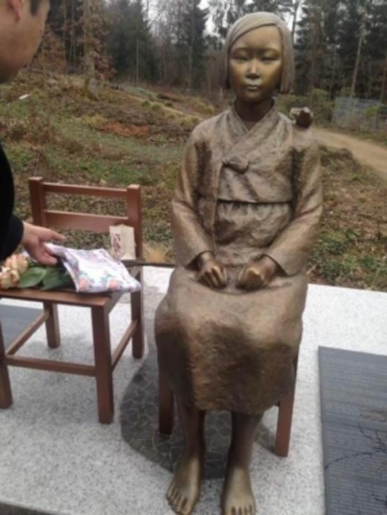 유럽 최초로 독일에 건립된 '평화의 소녀상'. [출처 추용남씨 페이스북]