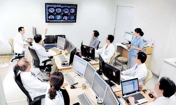 서울대학교병원은 의료발전을 선도하며 한국의 대표 의료 브랜드로 자리매김해왔다.